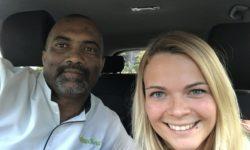 Dominika s řidičem